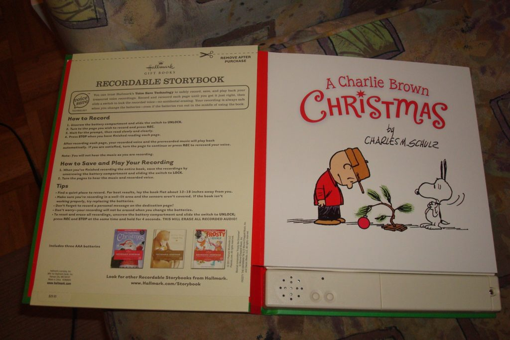 Recordable Christmas Books.Closed It S A Hallmark Recordable Storybook Charlie Brown