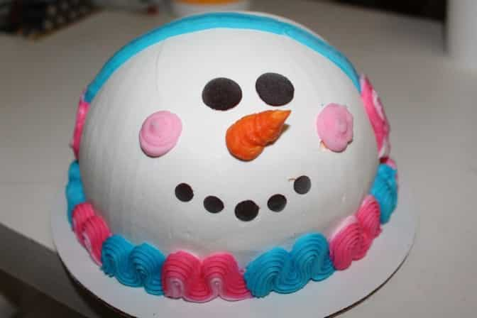 BaskinRobbins Makes Some Amazing Holiday Cakes