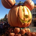 Why You Should Spend Halloween At Disneyland! #HalloweenTime