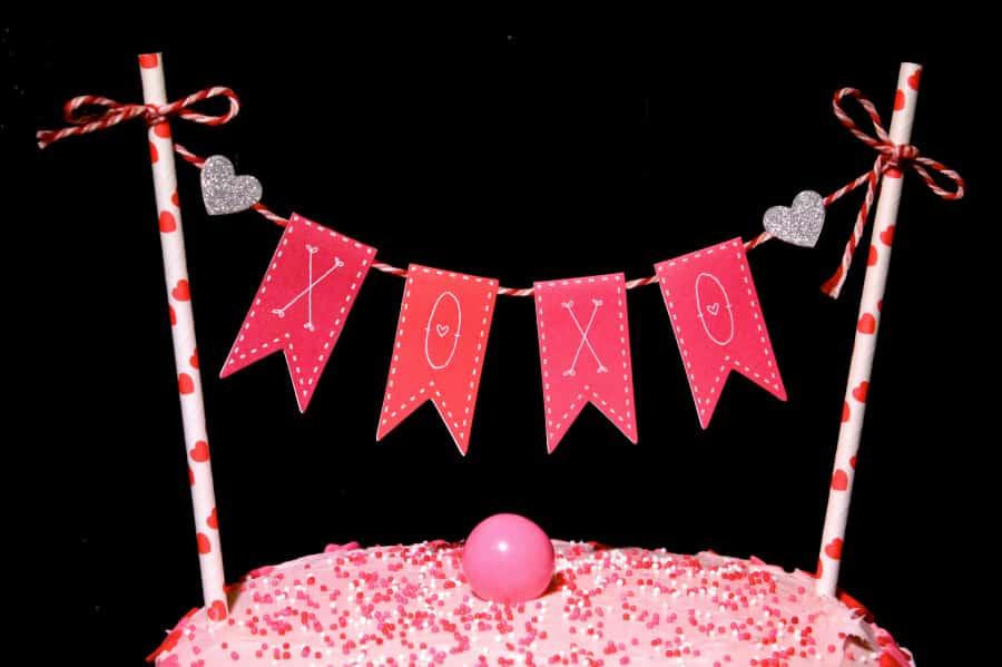 DIY-CAKE-BUNTING-3