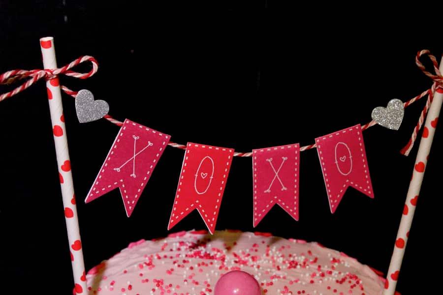 DIY-CAKE-BUNTING-5