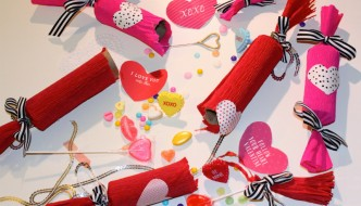 DIY-VALENTINE'S DAY-CANDY POPPERS-23
