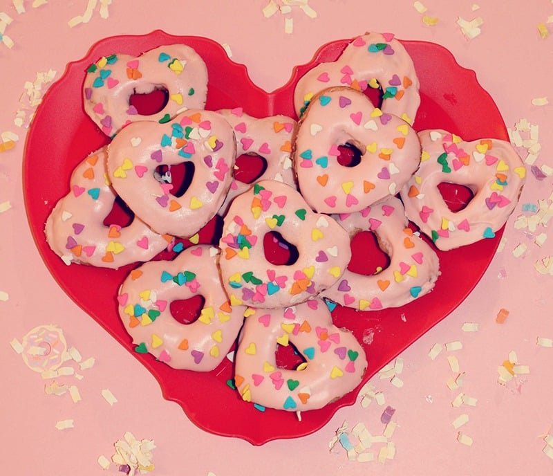 heart-pink-champagne-donuts-1