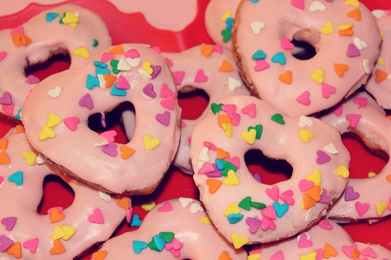 heart-pink-champagne-donuts-2