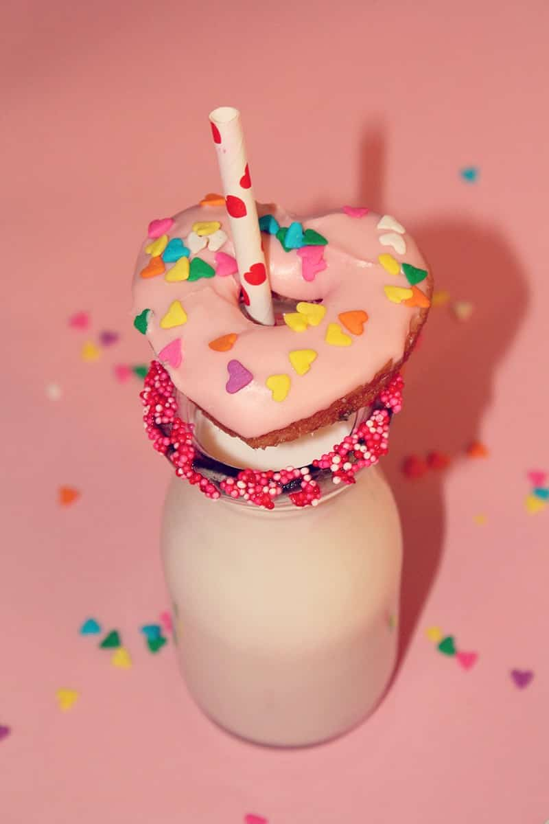 heart-pink-champagne-donuts-5