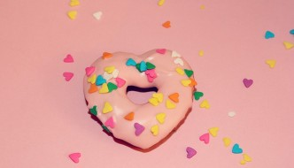 heart-pink-champagne-donuts-7