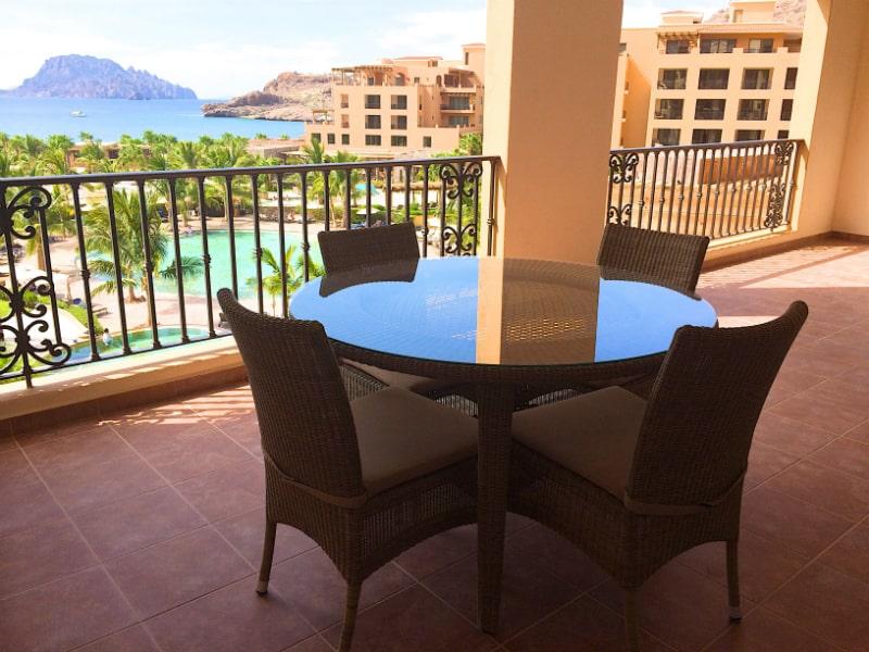 1-bedroom-suite-Balcony