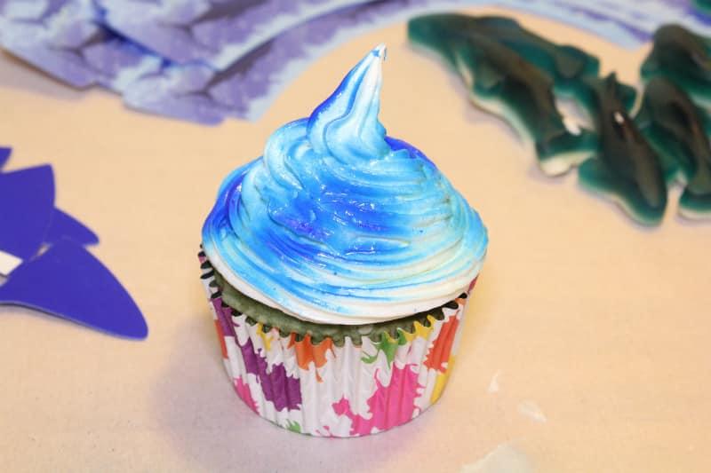 blue-water-cupcake