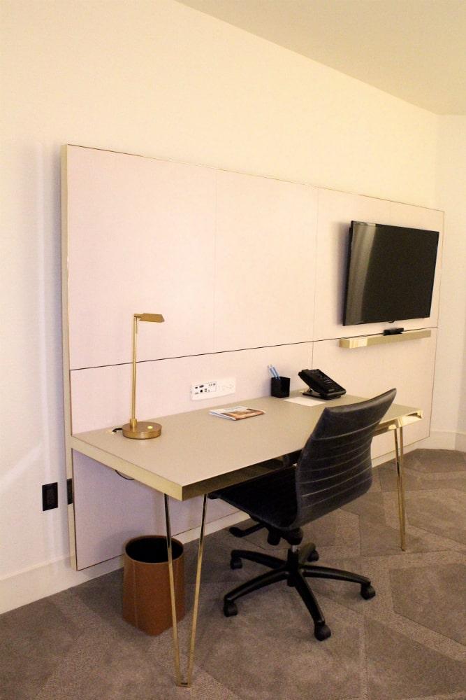 Delano-Room- desk