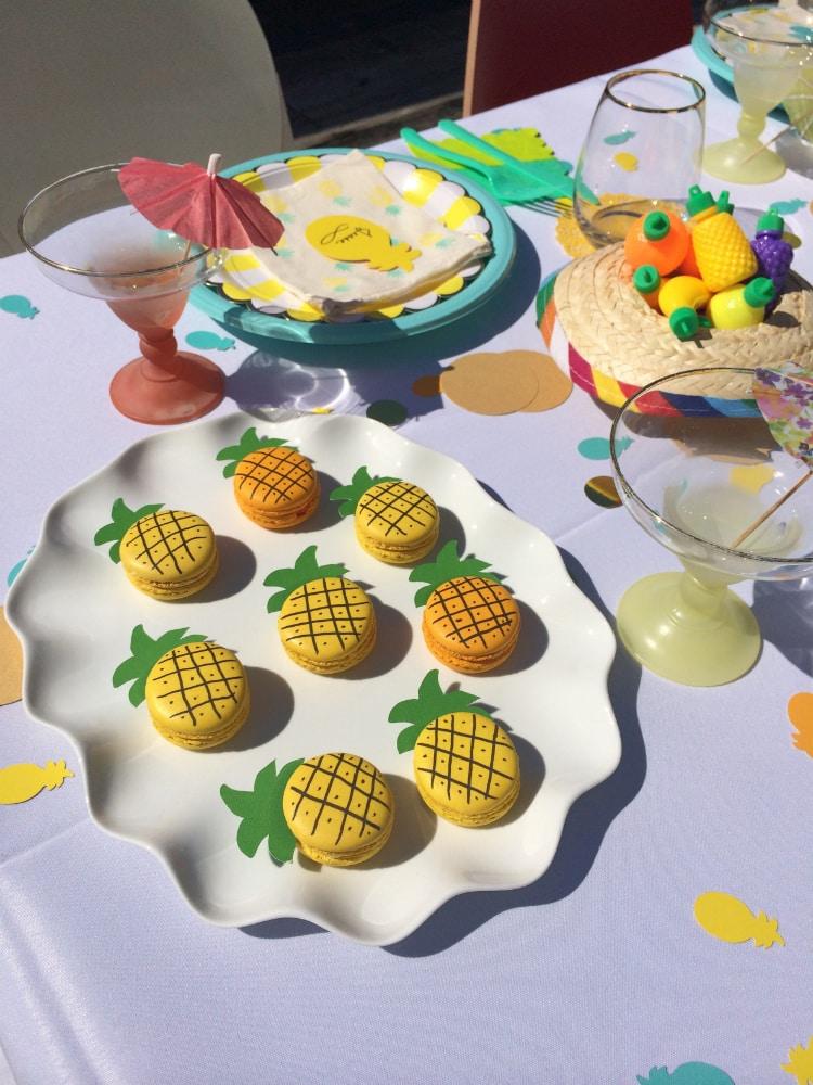Pineapple-Fiesta-Macarons