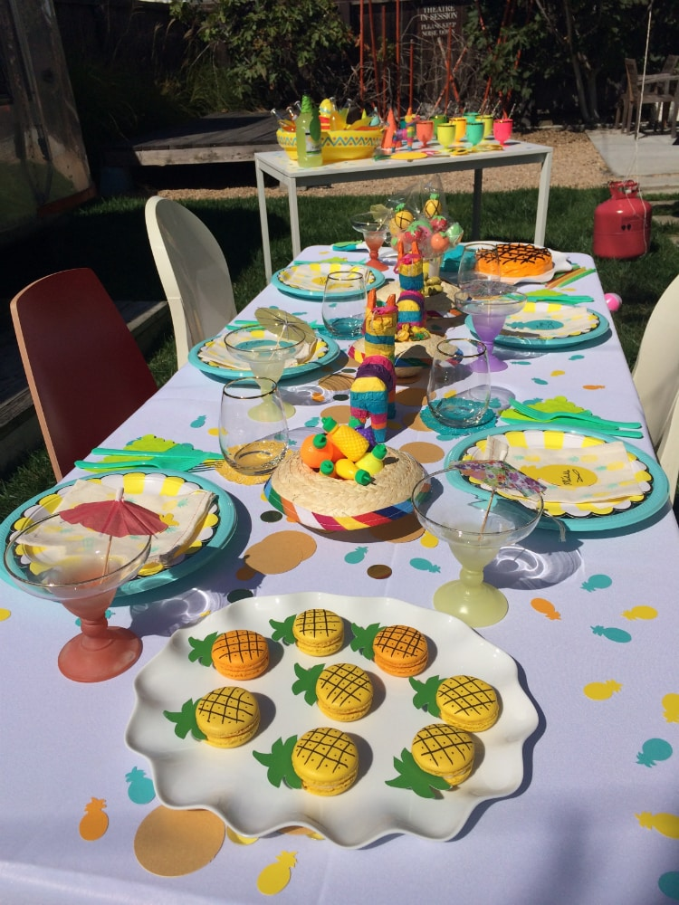 Table-Pineapple-Fiesta