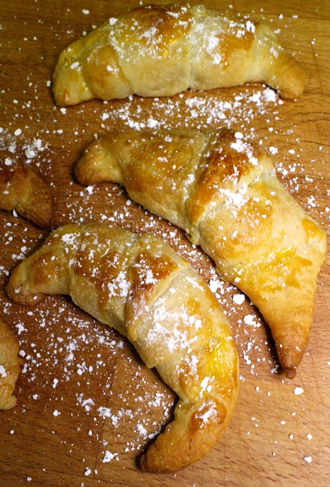 main-raisin-croissants