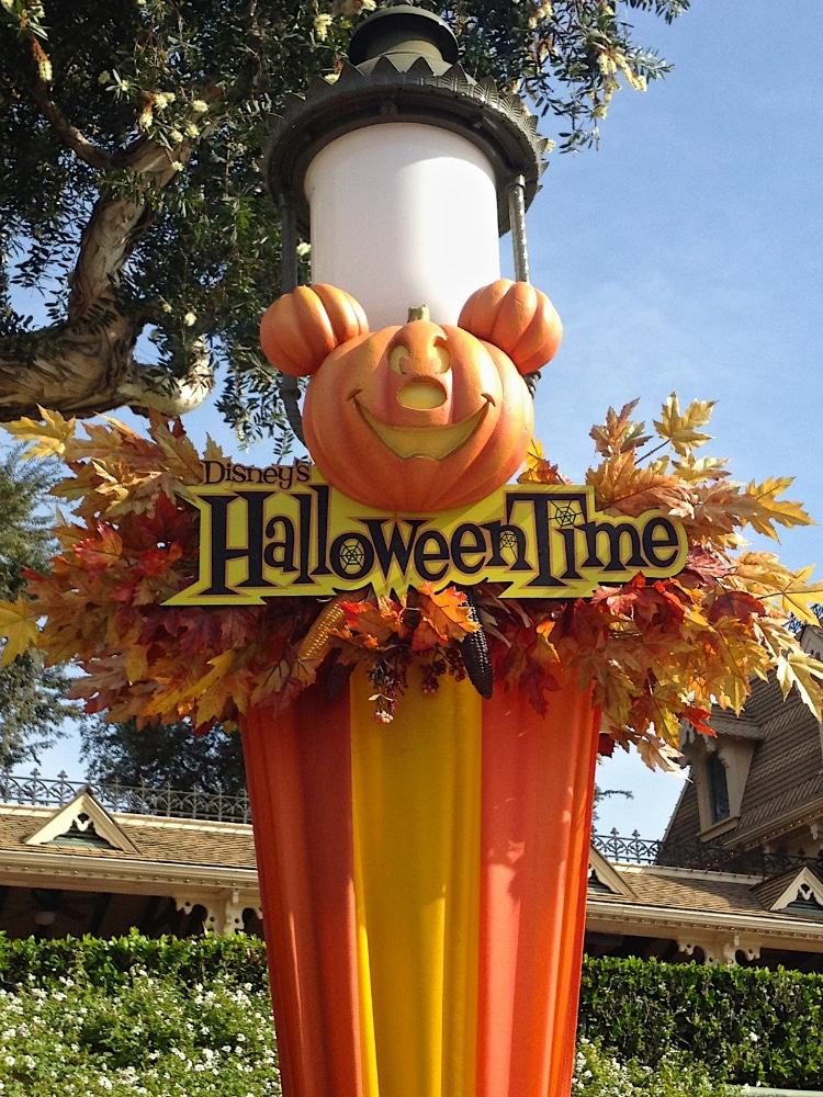 Halloweentime-Disneyland