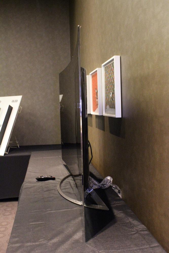 LG-OLED-4k-TV-SIDE