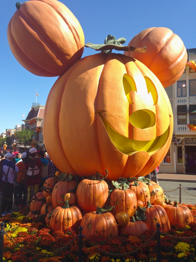 Mickey-Pumpkin-Mainstreet