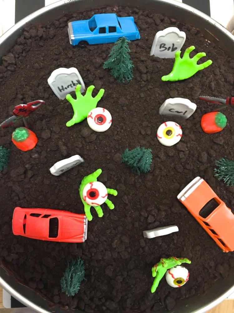 walking-dead-cemetery-cake