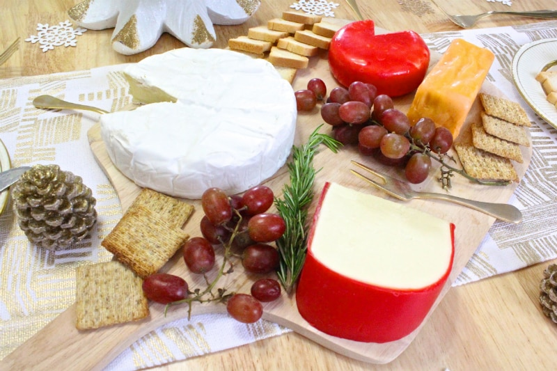 DIY-Holiday-Cheese-Board-2