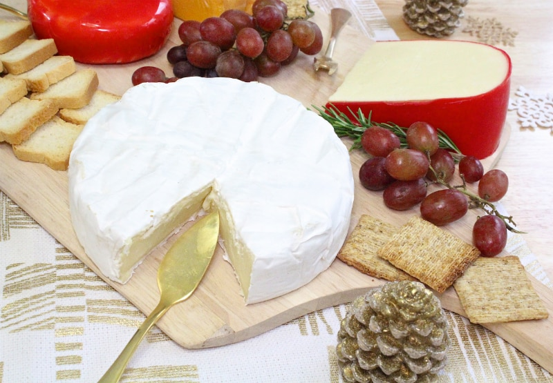 DIY-Holiday-Cheese-Board-Brie