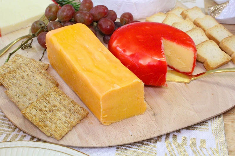 DIY-Holiday-Cheese-Board-Cheddar-Gouda