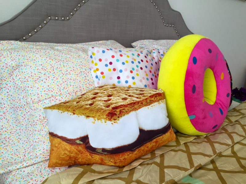 Smores-donut-pillow