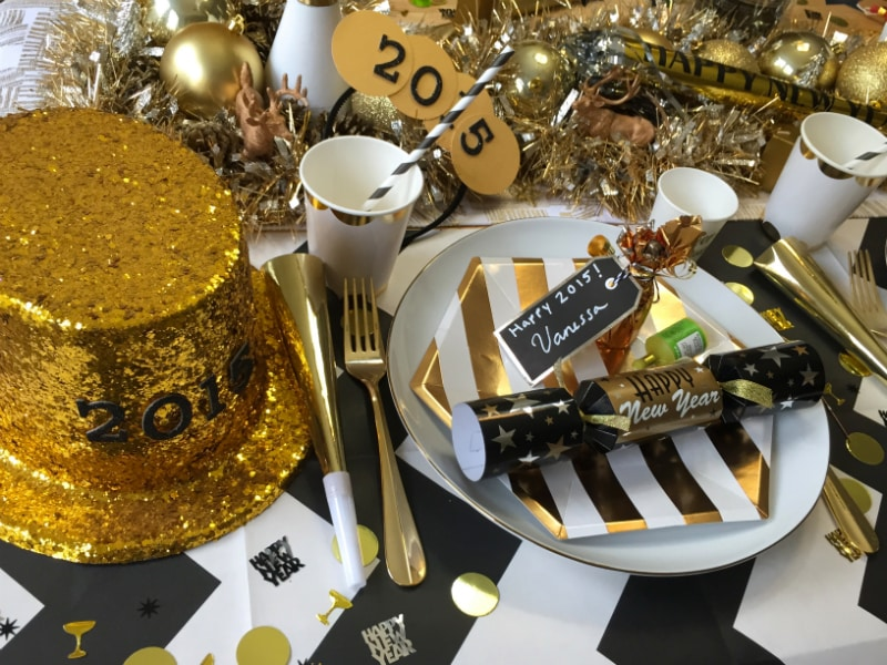 New-Years-Eve-Dinner-Decor-3