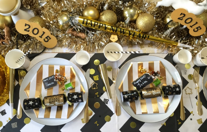 New-Years-Eve-Dinner-Decor-pin