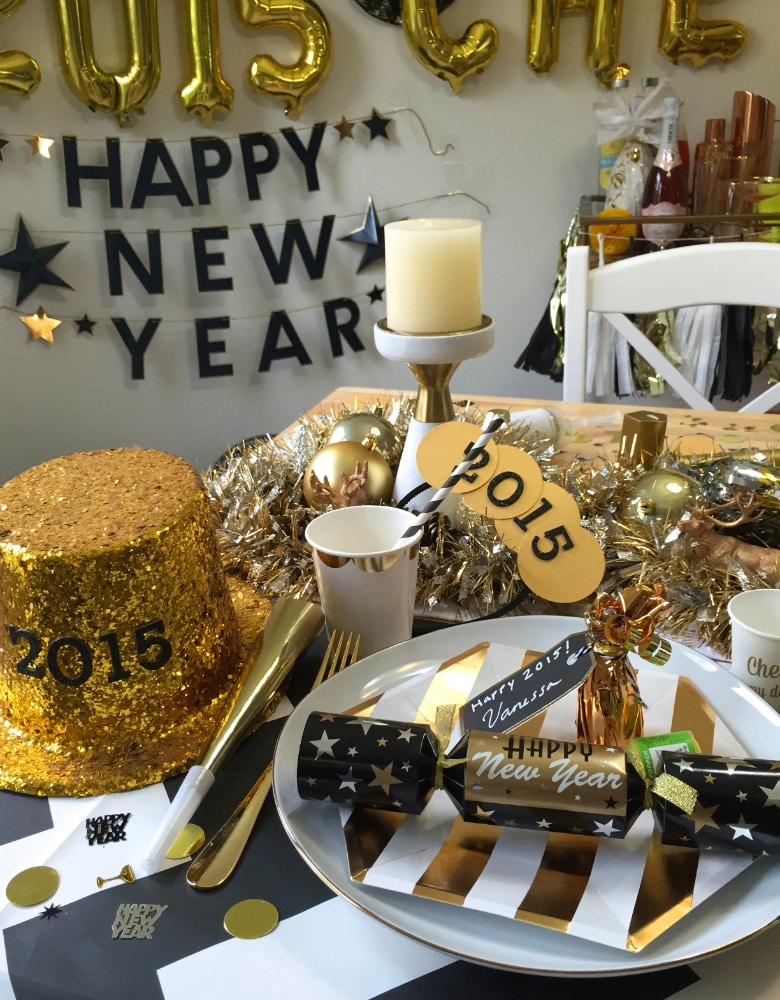 New-Years-Eve-Dinner-Decor