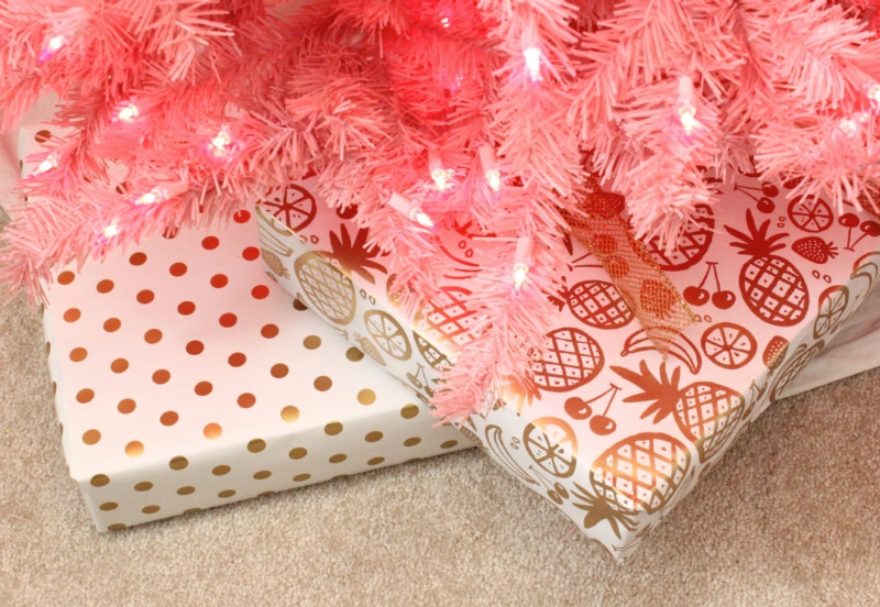 Pineapple-Christmas-Wrapping-Paper-2