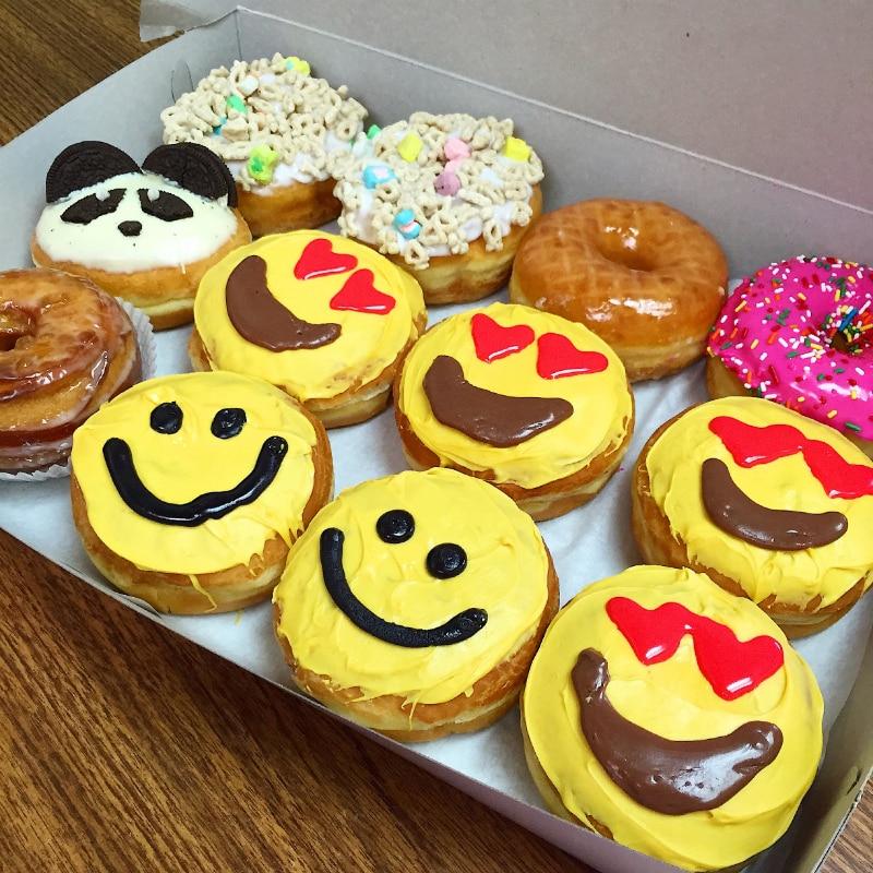 diy valentine s day emoji pi ata gift box