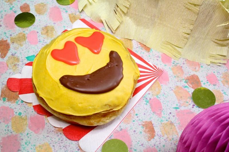 Emoji-Donuts-1