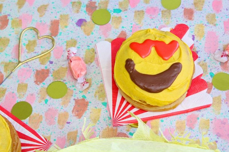 Emoji-Donuts-3