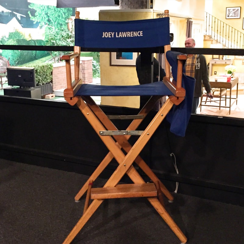 Melissa-and-Joey-Set-Visit-chair