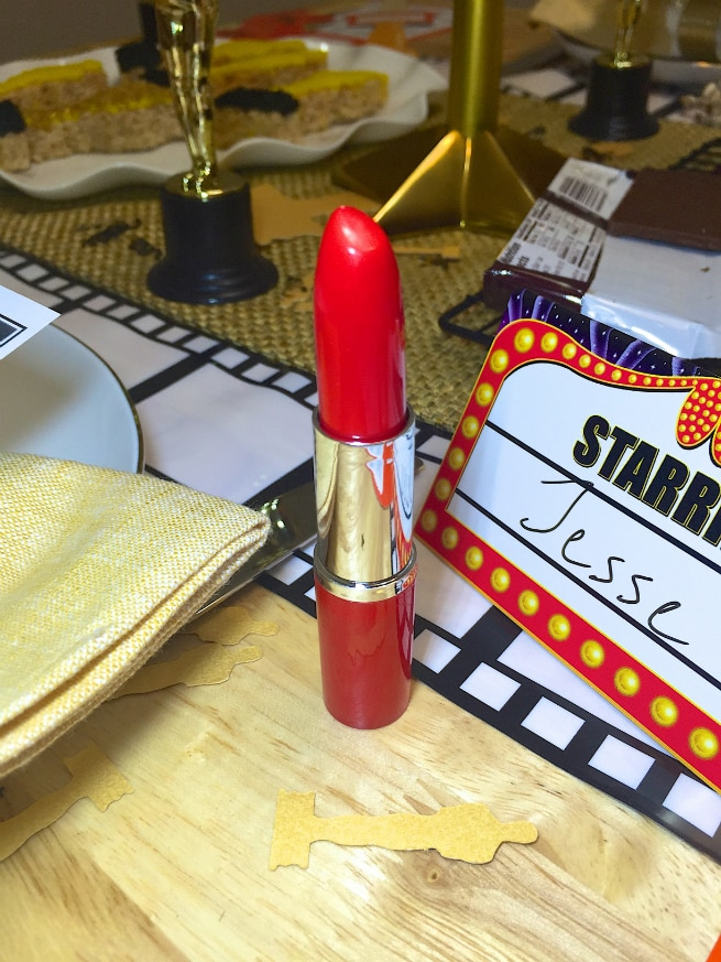 DIY-Awards-Night-Oscar-Party-Lipstick-Pens