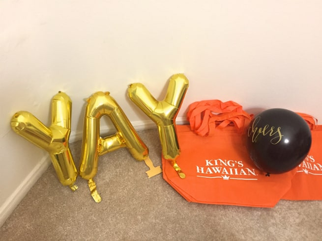 DIY-Awards-Night-Oscar-Party-YAY-BALLOONS