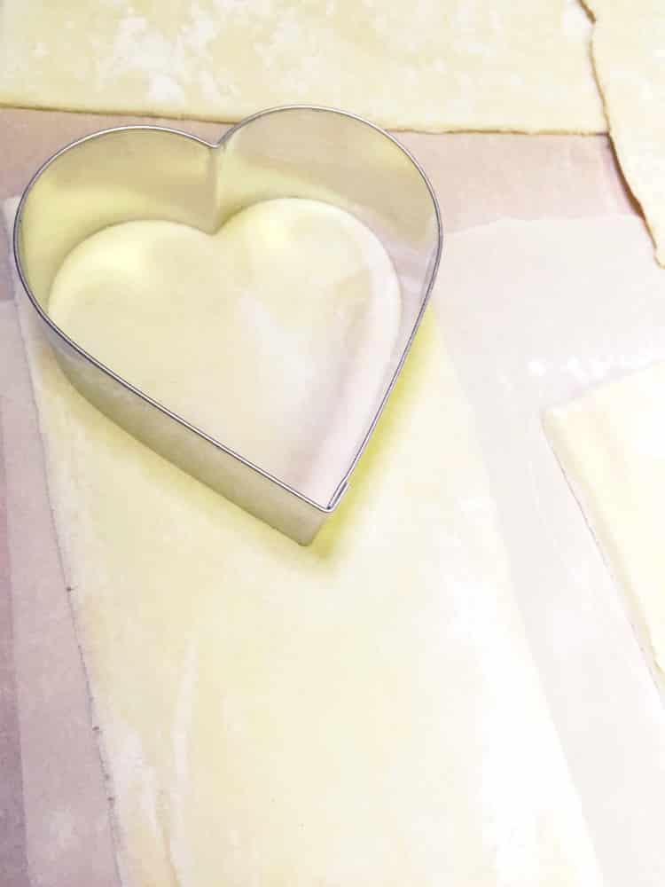 Heart-Empanadas-Pastelillos-Step-1