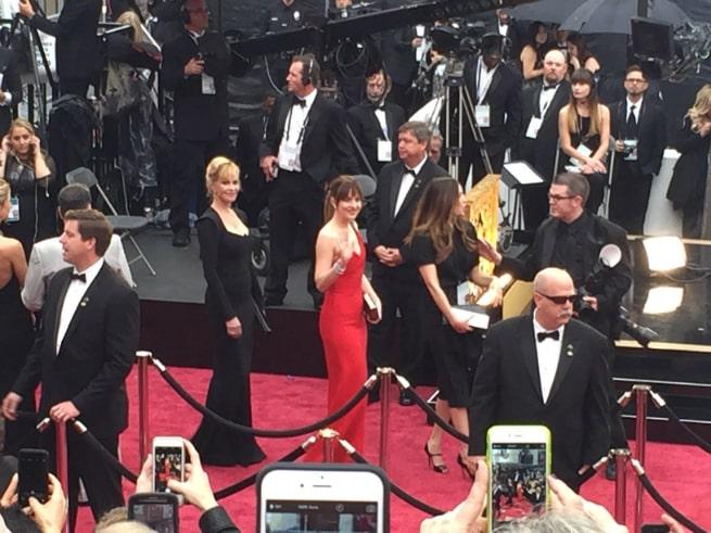 Oscars-Red-Carpet-Dakota-Johnson