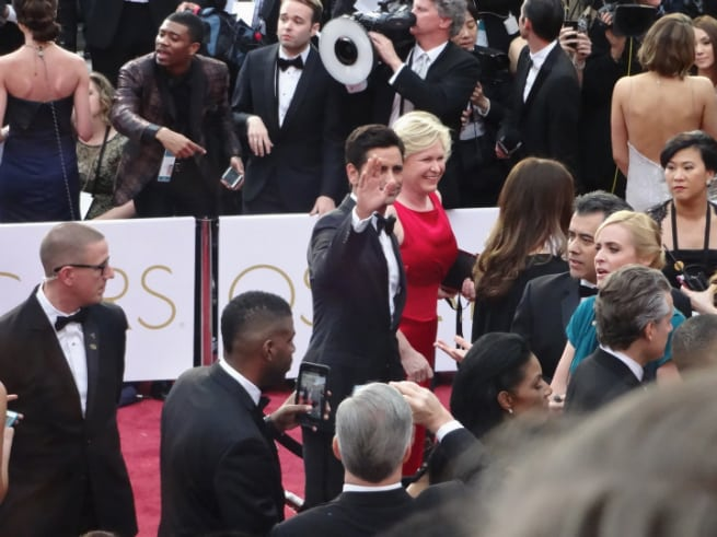 Oscars-Red-Carpet-John-Stamos