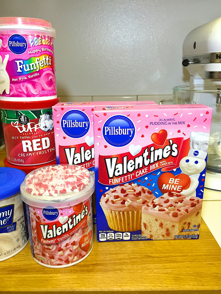 VALENTINES-DAY-OMBRE-HEART-PINATA-CAKE-SUPPLIES