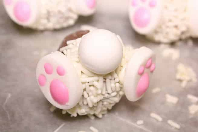 Cadbury-Creme-Egg-Candy-Bunny-Cupcakes-Step-3