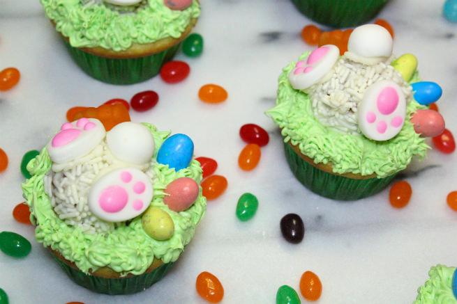 Cadbury-Creme-Egg-Candy-Easter-Bunny-Cupcake