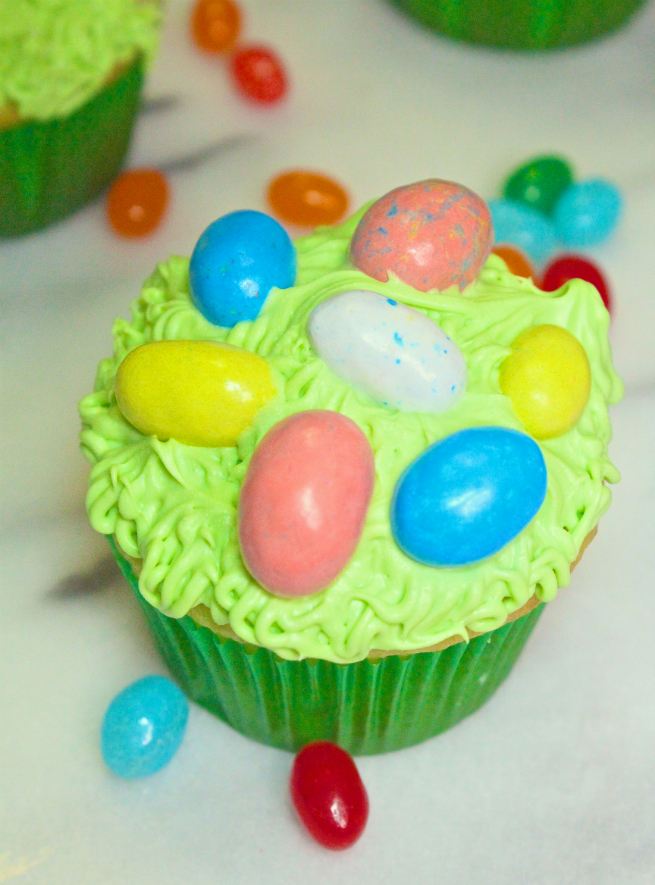 Candy-Easter-Egg-Cupcakes