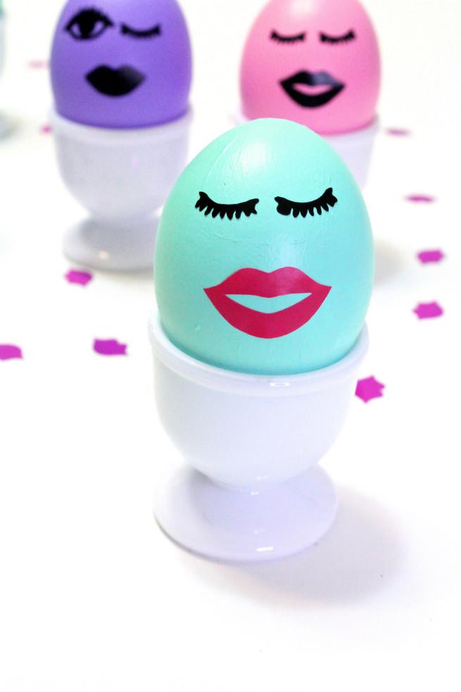 DIY-Kiss-Kiss-Wink-Wink-Easter-Eggs-Pink-Lips