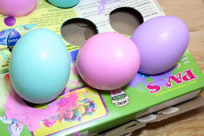 DIY-Kiss-Kiss-Wink-Wink-Easter-Eggs-Step-2