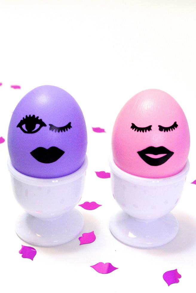 DIY-Kiss-Kiss-Wink-Wink-Easter-Eggs-girls
