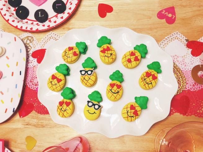 DIY-LOVE-Pineapple-table