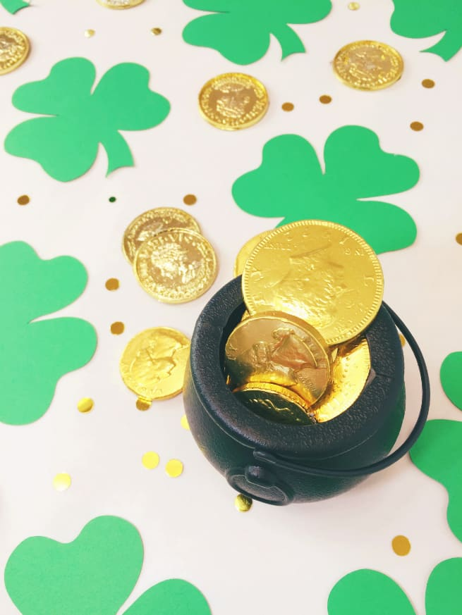 Giant-Shamrock-Confetti-Chocolate-Coins-2