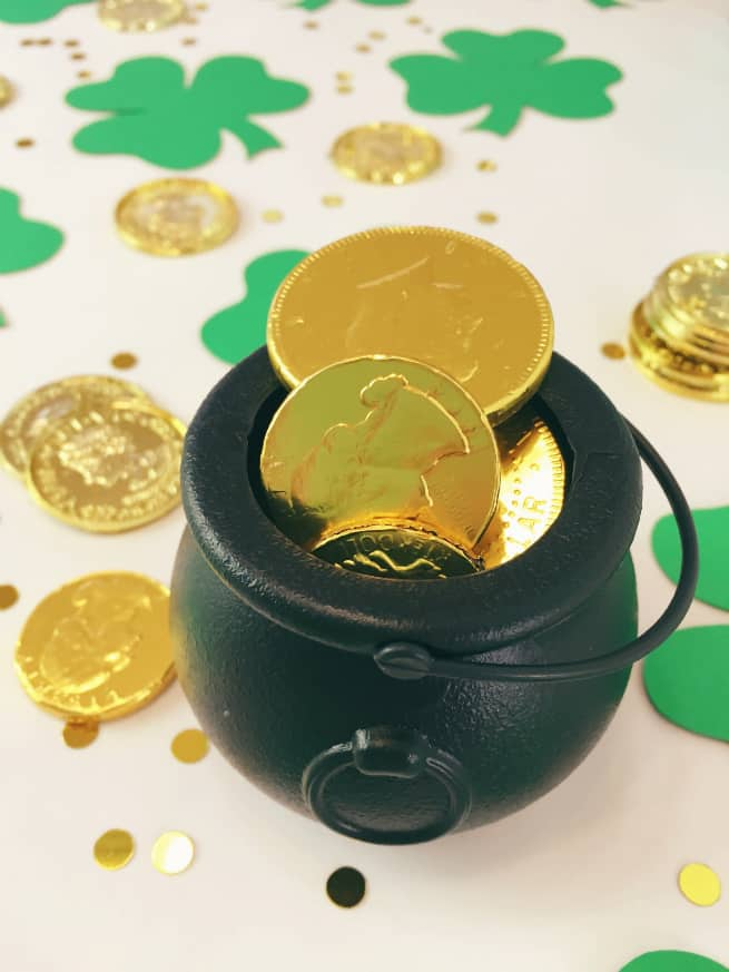 Giant-Shamrock-Confetti-Chocolate-Coins