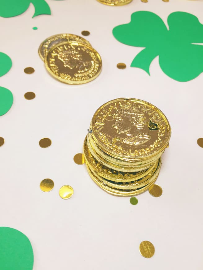 Giant-Shamrock-Confetti-Coins-3
