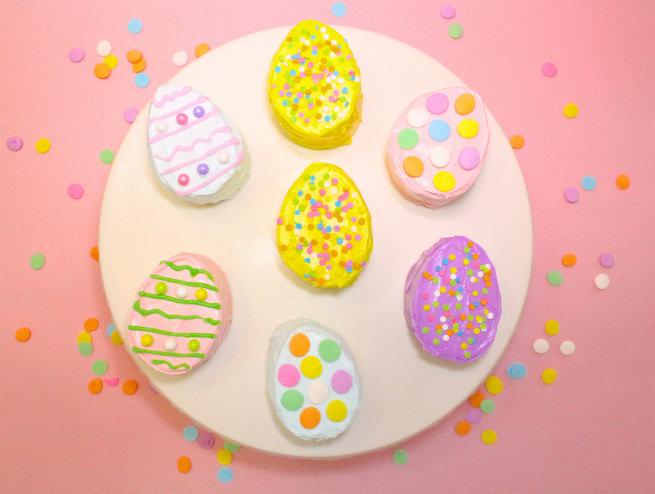 No-Bake-Mini-Easter-Egg -Pinata-Cakes-1