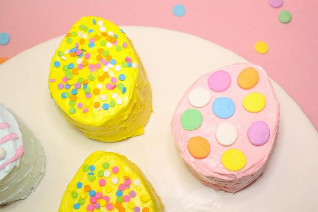 No-Bake-Mini-Easter-Egg -Pinata-Cakes-4